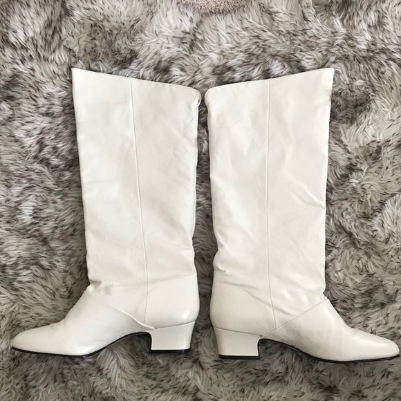 Naturalizer white leather knee high boots 7.5